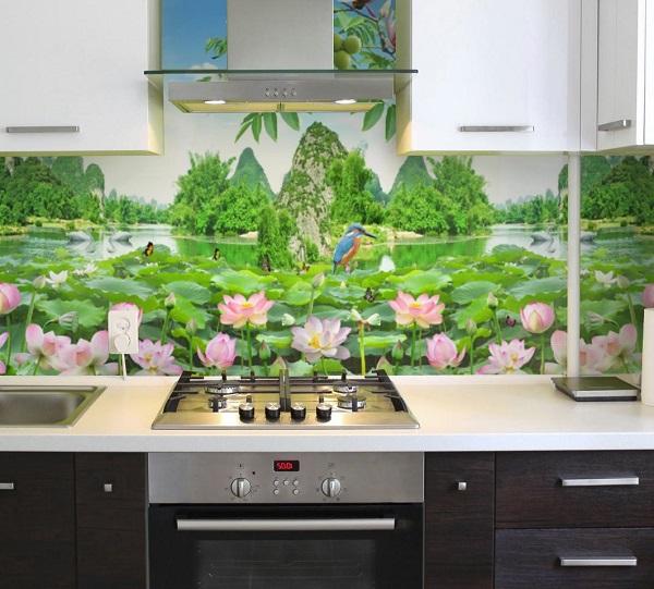 Mẫu gạch tranh ốp tường nhà bếp hình hồ sen đẹp mắt